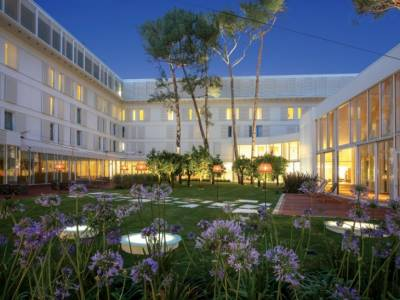 Rusan Arkitektura добавила современные штрихи к отелю «Белвью»