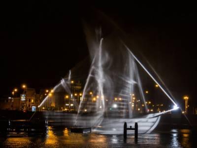 Фонтан в виде корабля от студии Visual Skin в Амстердаме