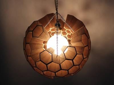 Лампа в виде пчелиных сот от Margaret Barry