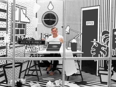 Креативный лондонский офис в стиле поп-арт от дизайнеров Emily Forgot и Laurie D
