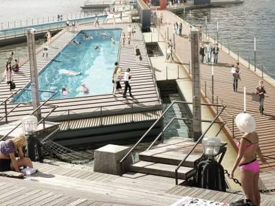 100architects показала концепцию плавучего бассейна в Москве