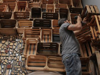 Художественная галерея из деревянных ящиков Casa Conceptos