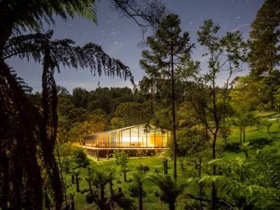 Studio MK27 окружила домашнюю резиденцию натуральной красотой