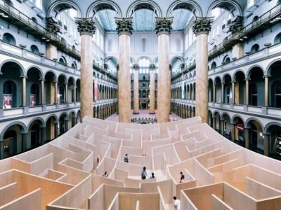 Большой лабиринт в национальном музее строительства в Вашингтоне