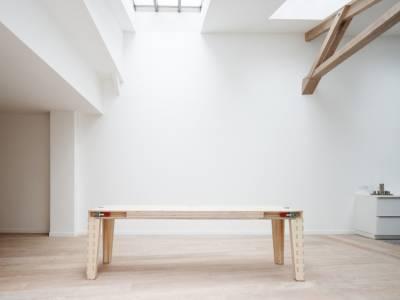 """Многофункциональный стол """"Work & Turn"""" от французской студии """"JMCA"""""""