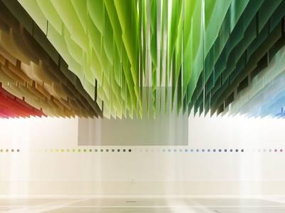 Яркий проект в здании Shinjuku Mitsui Building от Эммануэль Муроу