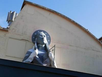 """Santa Europa"" - инсталляция художника David Mesguich, посвященная миграционному кризису"
