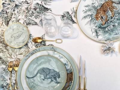 Французский модный дом Hermes представил коллекцию фарфоровой посуды с рисунками Роберта Даллета (Robert Dallet)