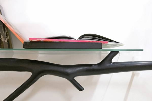 Функциональные полки и столы из упавших веток деревьев от дизайнера Себастьяна Эрразуриза (Sebastian Errazuriz)