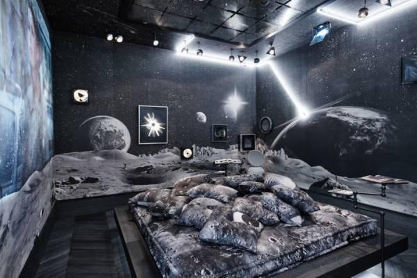 Космическая комната дизайнера Alexandre de Betak
