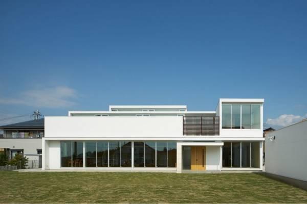 Mamm Design построила минималистский дом в Японии