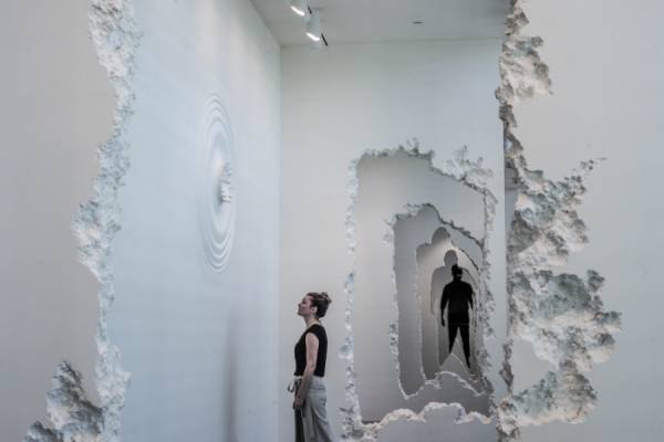 """300-футовый """"тоннель"""" в музее современного искусства от Даниэля Аршама (Daniel Arsham)"""