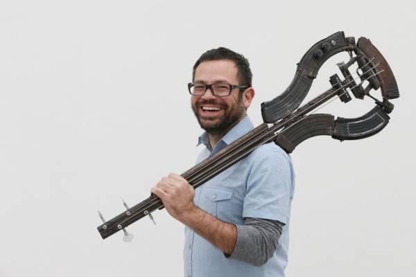 Педро Рейес и его необычный взгляд на музыкальные инструменты