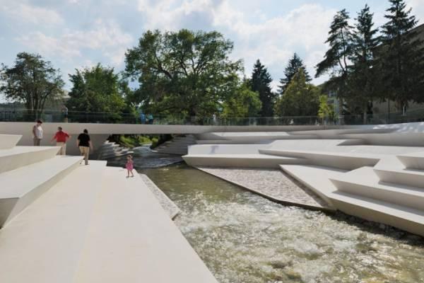 ENOTA Architects преобразовала пешеходную зону в Словении
