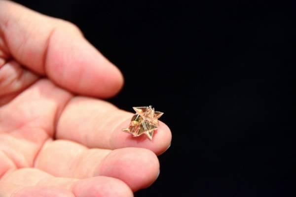 Миниатюрный робот - оригами, созданный учеными МИТ