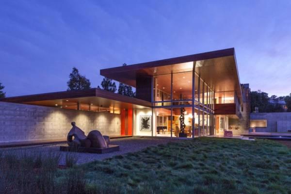 Дом для ценителя искусства
