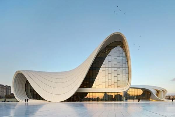 В Эрмитаже откроется ретроспектива архитектора Захи Хадид