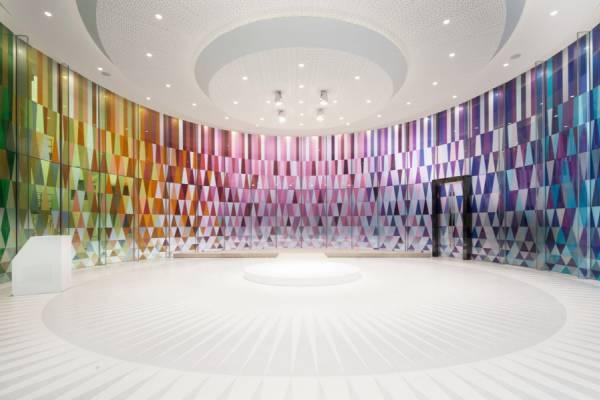 Стеклянная часовня для бракосочетания от дизайн-студии Coordination Asia