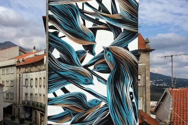 Стаи птиц и животных на стенах городских домов от уличного художника Пантонио (Pantonio)