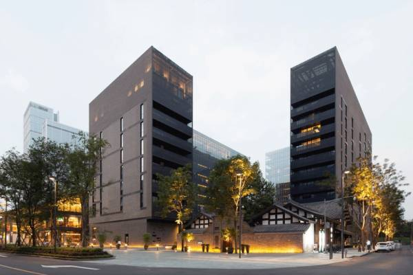 """""""The Temple House"""" от Make Architects"""