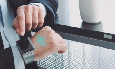 Часы ASU Cast One со встроенным проектором